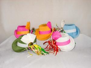 Damenreiterhütchen in verschiedenen Farben