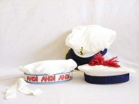 Seefahrt verschiedene Mützen weiß; Kapitän, Matrose